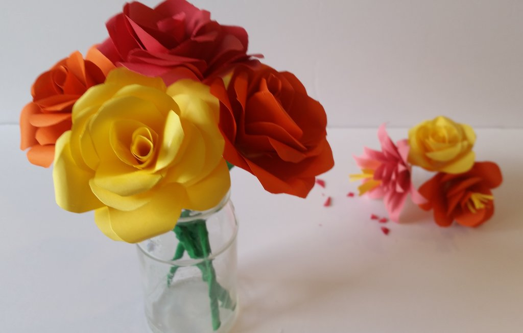 How to DIY Beautiful Swirly Paper Roses | 653x1024